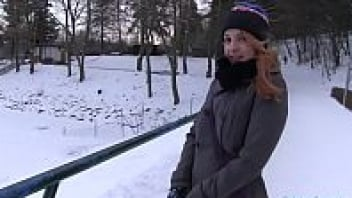 เสียวหี เย็ดบนรถ เย็ดกลางหิมะ อมควย หีแข็ง หนังโป๊เย็ดในรถ หนังโป๊เย็ดสด